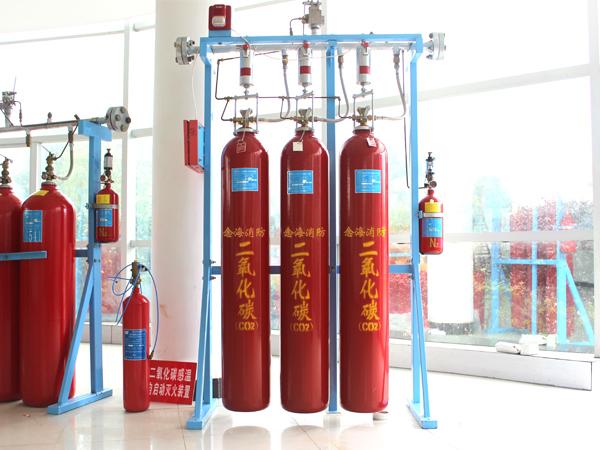 念海消防分享:高压二氧化碳和干粉灭火器的区别