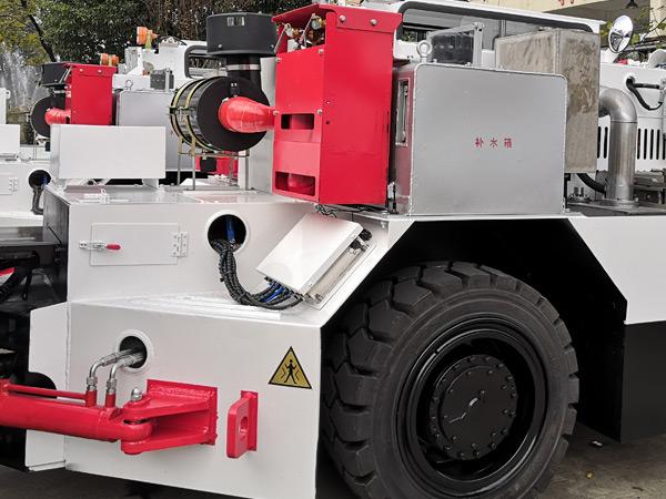 煤矿井下防爆无轨胶轮车自动灭火装置